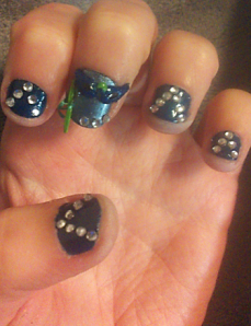 3D-masquerade-nails