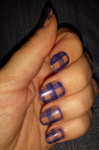 gingham-nails