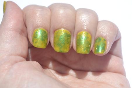 Saran-Wrap-nails-2