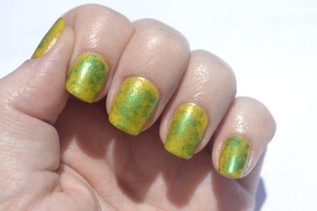Saran-Wrap-nails-4