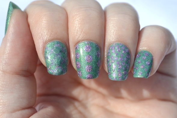 31DC-Day-11-holo-dots-3