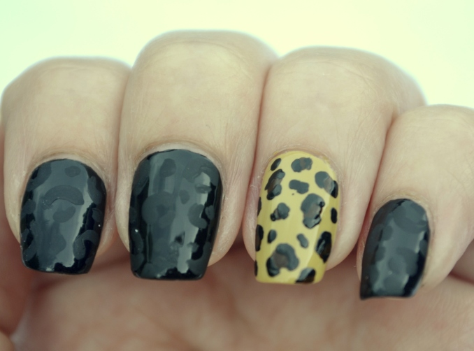 31DC-Day-13-leopard-print-nails-1