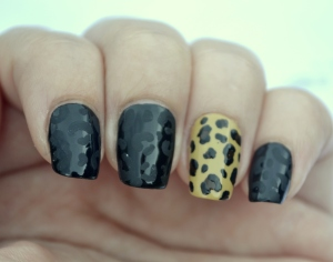 31DC-Day-13-leopard-print-nails-2