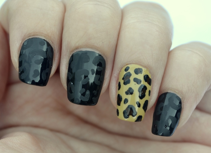 31DC-Day-13-leopard-print-nails-3