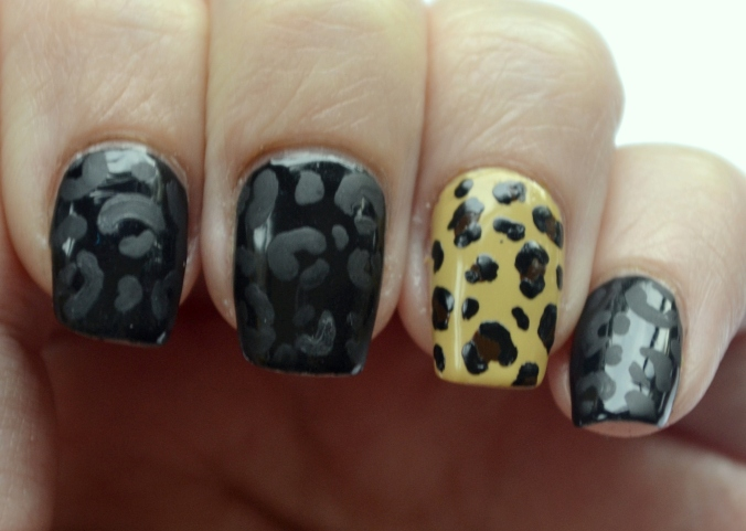 31DC-Day-13-leopard-print-nails-4