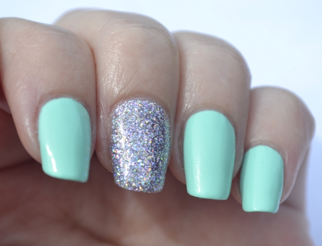 31DC-Day-17-mint-and-holo-glitter-2
