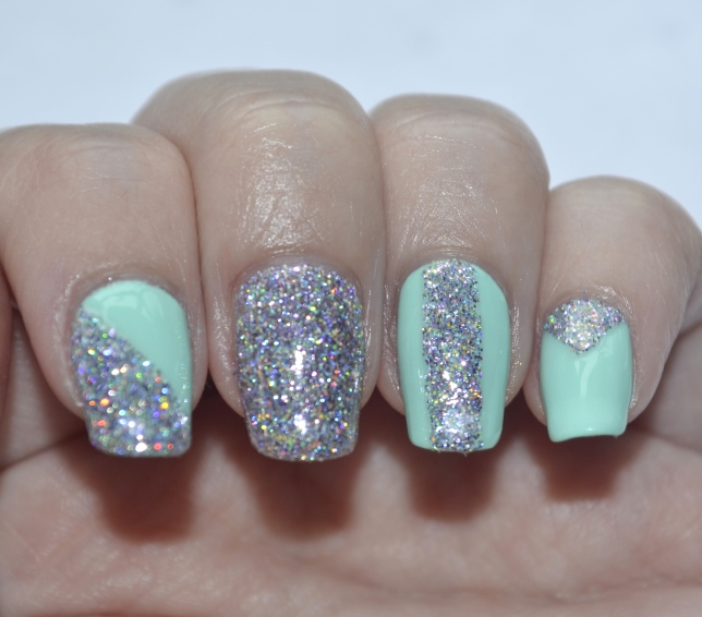 31DC-Day-17-mint-and-holo-glitter-4