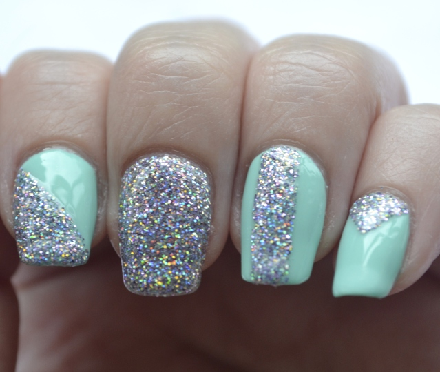 31DC-Day-17-mint-and-holo-glitter-5