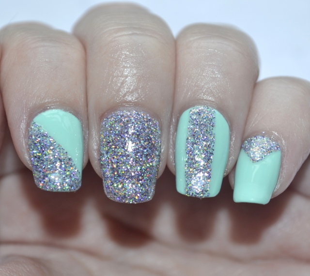 31DC-Day-17-mint-and-holo-glitter-6