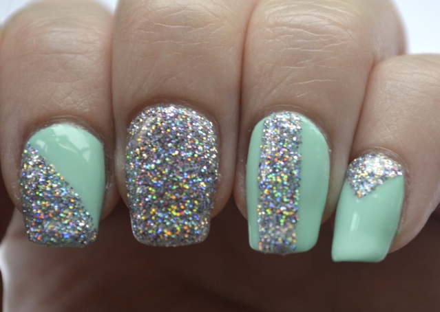 31DC-Day-17-mint-and-holo-glitter-8