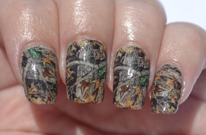 31DC-Day-25-camo-nails-1