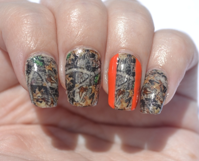 31DC-Day-25-camo-nails-3