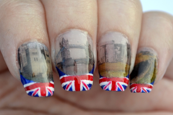 31DC-Day-28-flag-and-landmark-nails-1