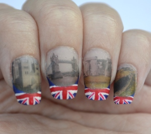 31DC-Day-28-flag-and-landmark-nails-3