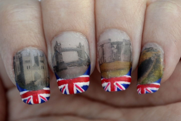 31DC-Day-28-flag-and-landmark-nails-4