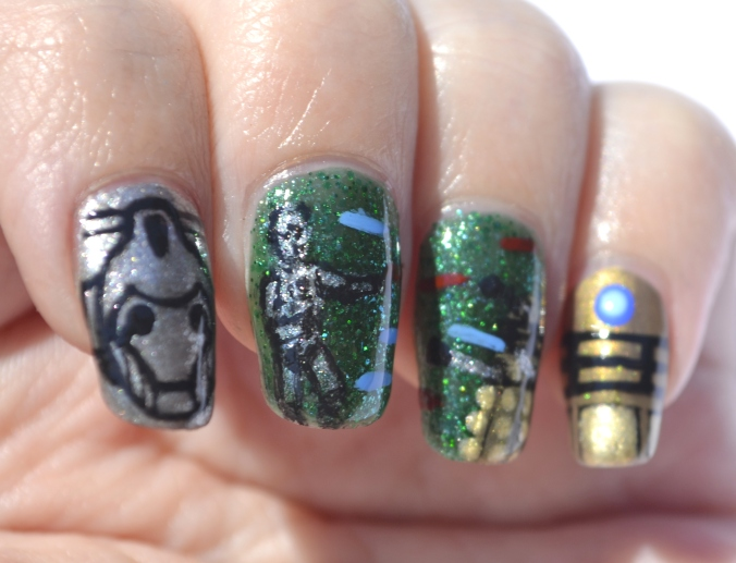 31DC-Day-31-Dalek-vs-Cybermen-nails-4