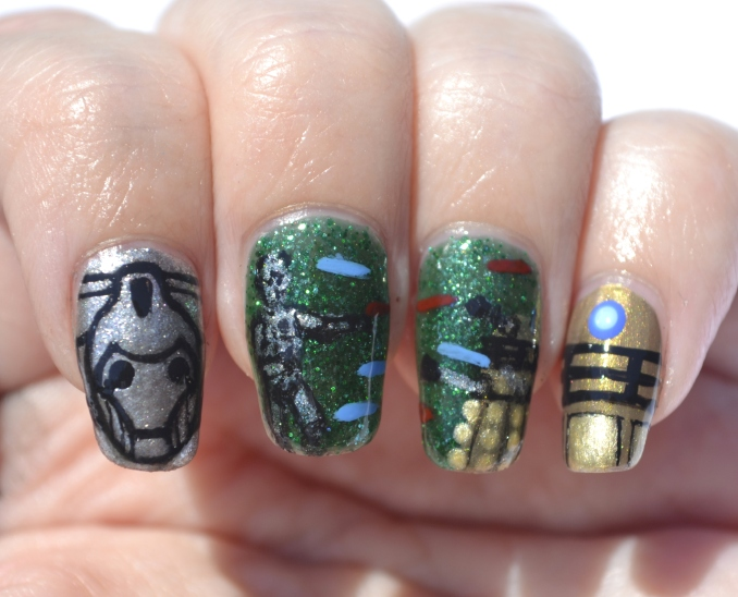 31DC-Day-31-Dalek-vs-Cybermen-nails-5