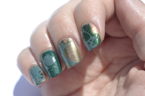 31DC-Day-4-green-waterspotted-nails-3