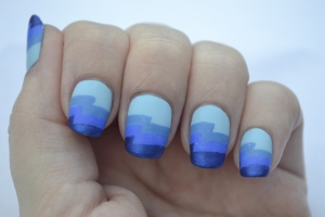 31DC-Day-5-blue-zigzag-nails-1