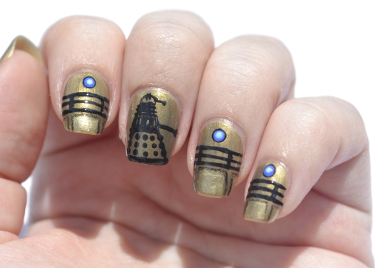 31DC-Day-8-Dalek-nails-4