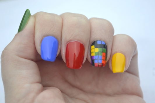 31DC-Day-9-Tetris-nails-1