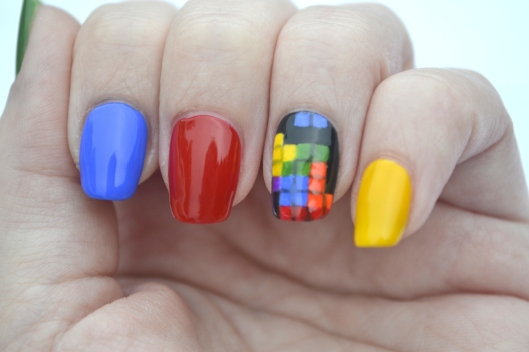 31DC-Day-9-Tetris-nails-2