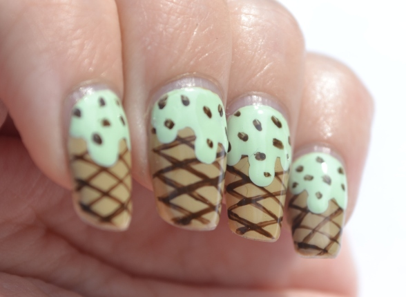 OMD2-Day-1-mint-icecream-nails-2