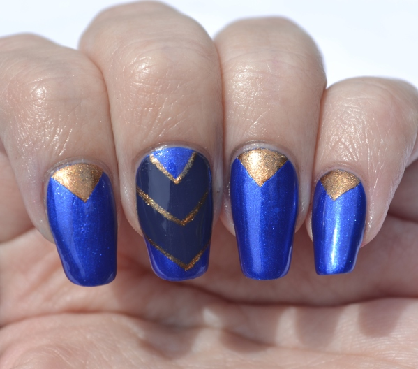 OMD2-Day-20-blue-and-gold-chevron-nails-1