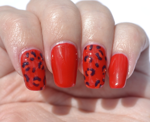 OMD2-Day-9-jelly-leopard-print-nails-1