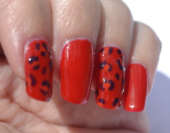 OMD2-Day-9-jelly-leopard-print-nails-2