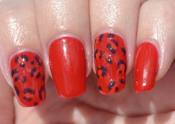 OMD2-Day-9-jelly-leopard-print-nails-3