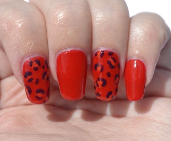 OMD2-Day-9-jelly-leopard-print-nails-4