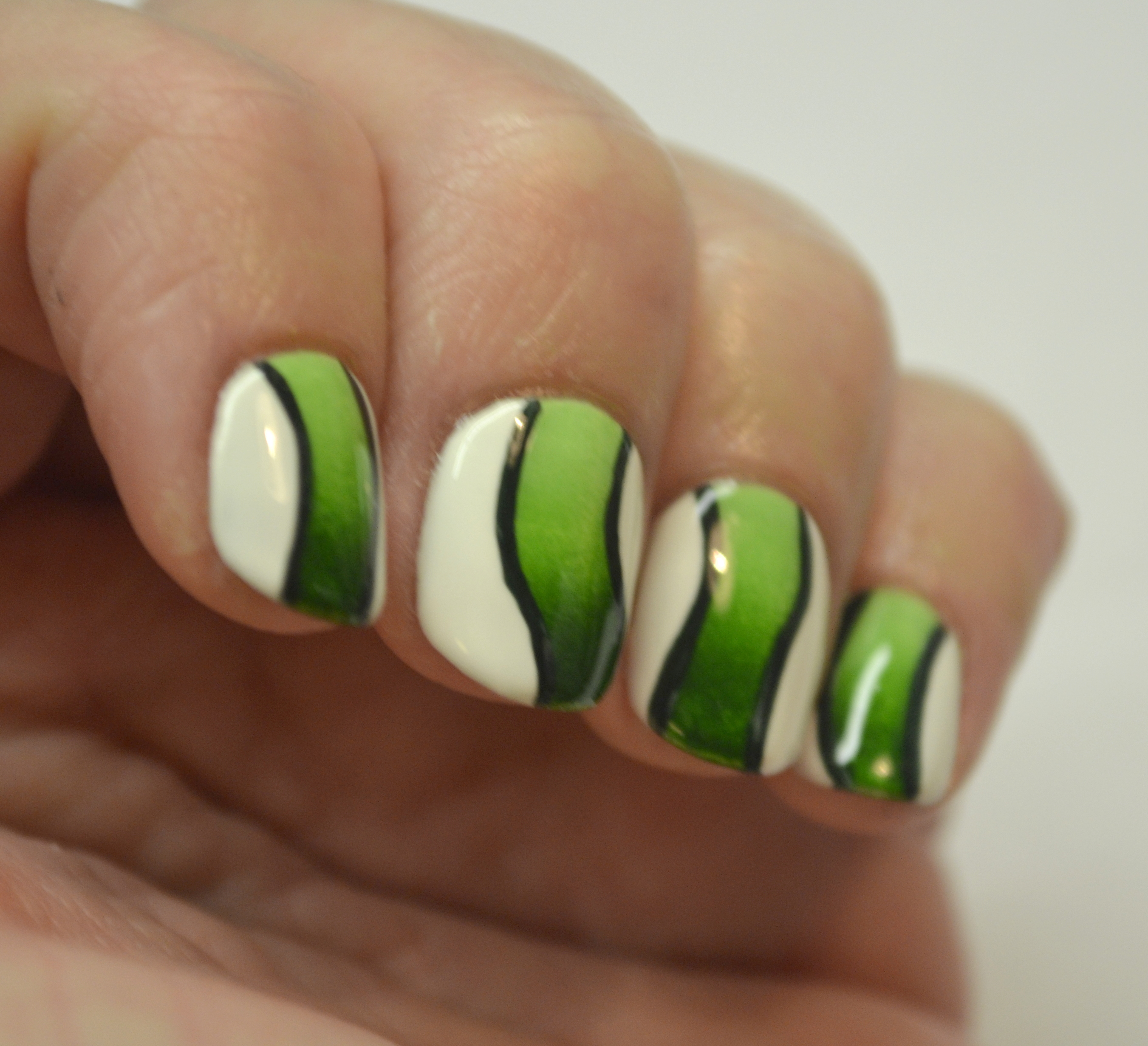 Double Post Blogger Bragger Autumn Nail Art Challenge Week 4 Green