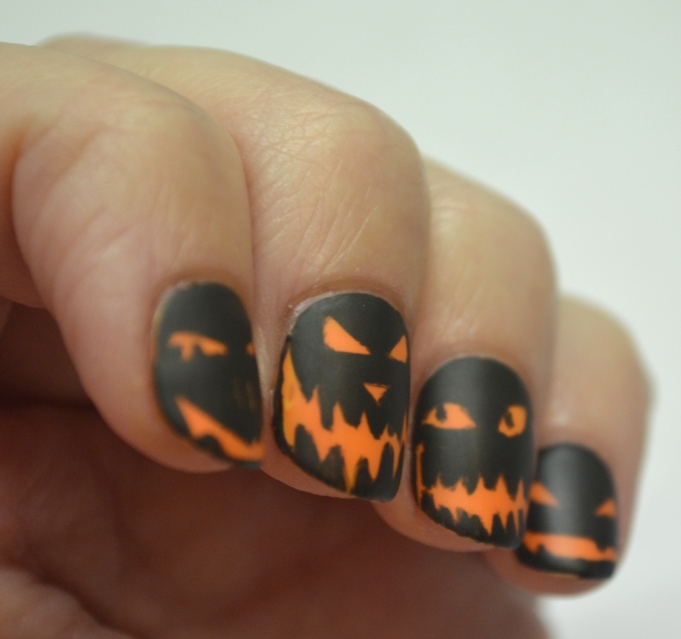 CYNA-Halloween-theme-pumpkin-faces-5