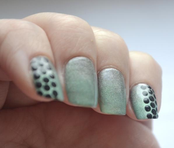 Dots-over-gradient-4