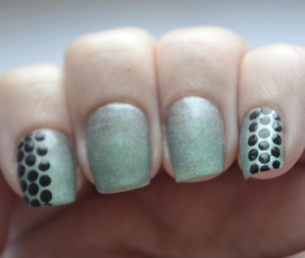 Dots-over-gradient-5