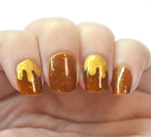 Melted-gold-nails-1