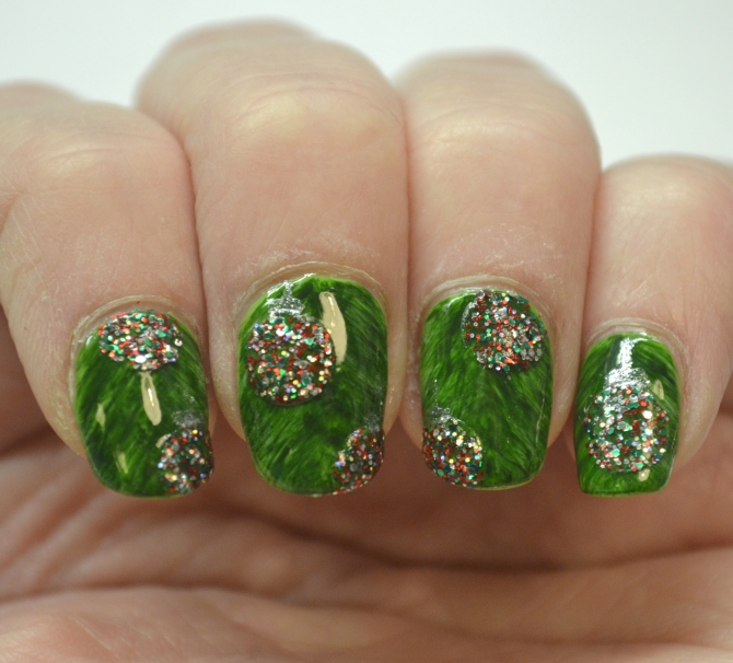CYNA-12-Days-of-Christmas-Day-9-glitter-1