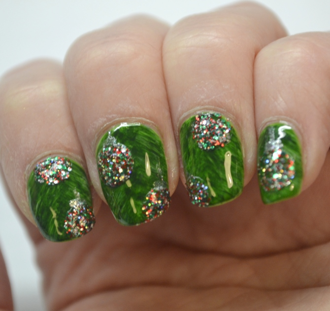 CYNA-12-Days-of-Christmas-Day-9-glitter-3