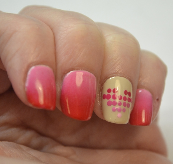 Dotted-gradient-heart-Valentine-nails-2