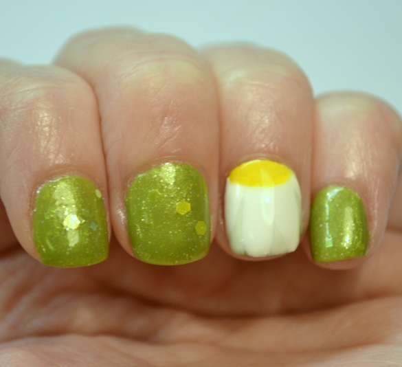Crafty-Nails-April-nail-art-linkup-spring-flowers-1