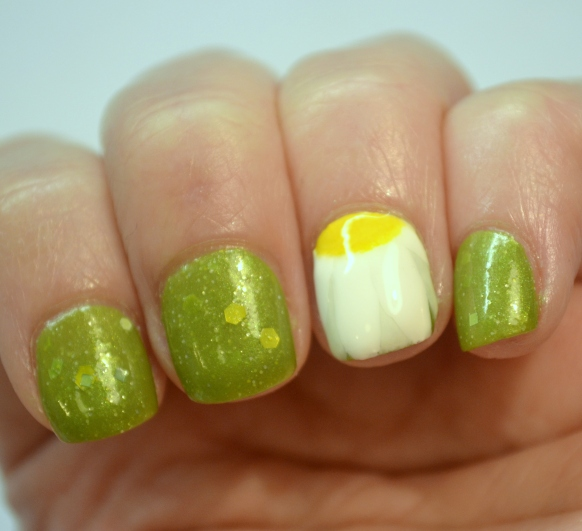 Crafty-Nails-April-nail-art-linkup-spring-flowers-3