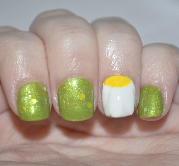 Crafty-Nails-April-nail-art-linkup-spring-flowers-4