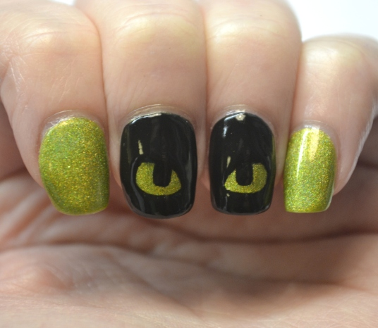 How-To-Train-Your-Dragon-Toothless-nails-1