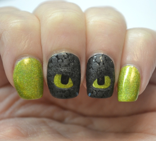 How-To-Train-Your-Dragon-Toothless-nails-2