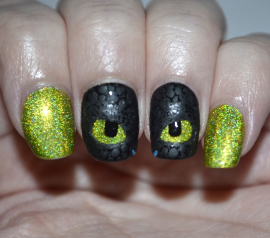 How-To-Train-Your-Dragon-Toothless-nails-6
