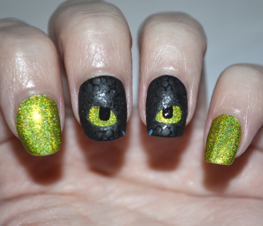 How-To-Train-Your-Dragon-Toothless-nails-7