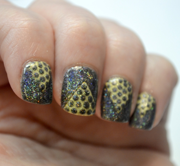 Day-4-Black-and-Gold-chevron-and-dots-2