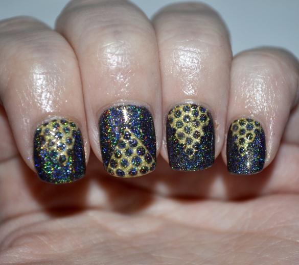 Day-4-Black-and-Gold-chevron-and-dots-4