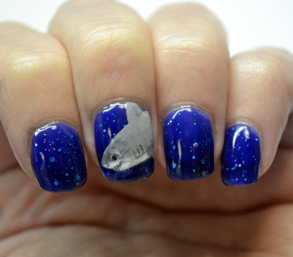 Day-7-Glittery-shark-week-nails-1